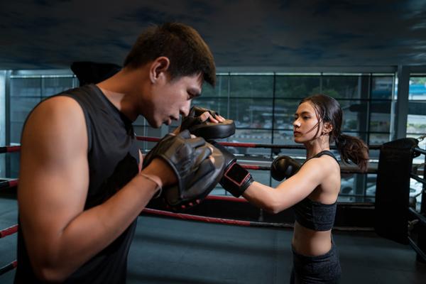 キックボクシングのトレーナーの役割とは?トレーナーのメリットも紹介