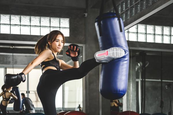 キックボクシングジムに通う頻度の目安はどのくらい?