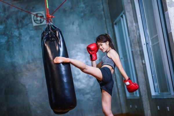 女性でもキックボクシングが強くなる!レベルアップの方法について