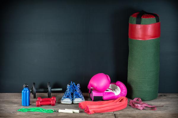 キックボクシングを始めるときに用意する道具はどんなもの?