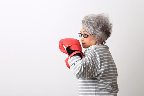 ご年配の女性にもキックボクシングはぴったり!その理由を解説